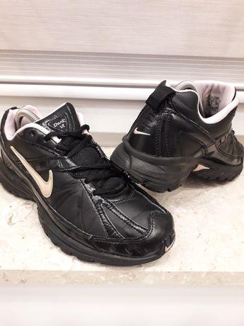 Nike WMNS Dart VI roz. 38,5  24,5  skóra naturalna