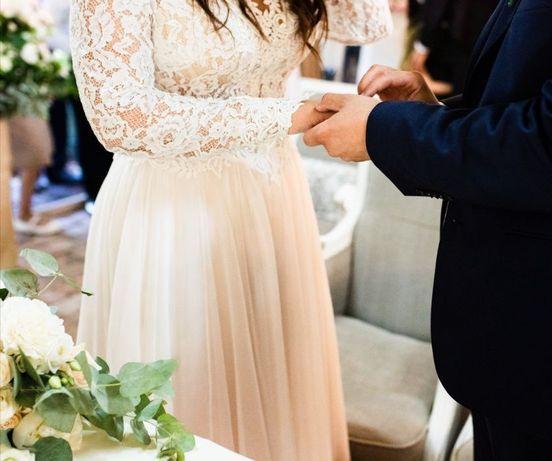 Przepiękna suknia ślubna, jak nowa.