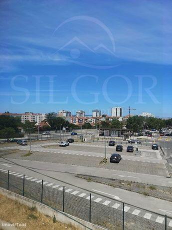 Apartamento T2 Arrendamento em Alto do Seixalinho, Santo André e Verde