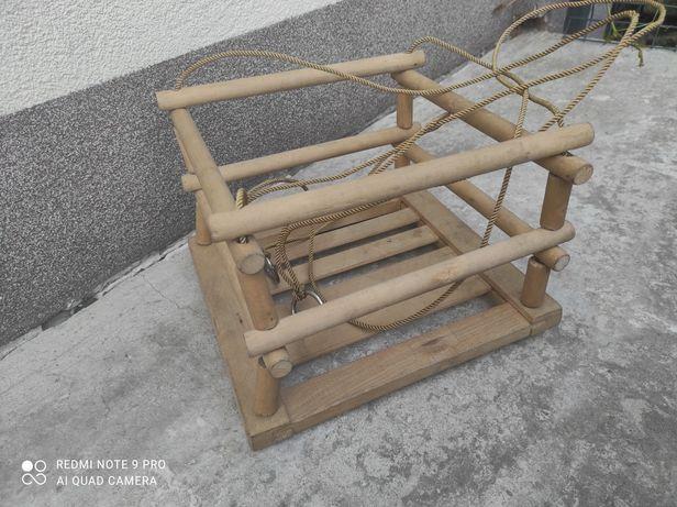 Stara drewniana huśtawka