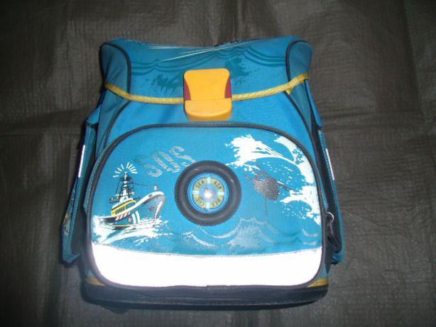 Портфель, ранец, рюкзак школьный. Твёрдое дно. Сделано в Германии.