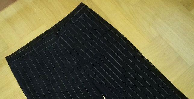 40 H&M czarne spodnie damskie w prążki