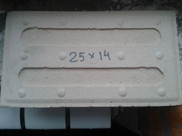 Плитка фасадная отделочная 25 х 14 см 130 шт.