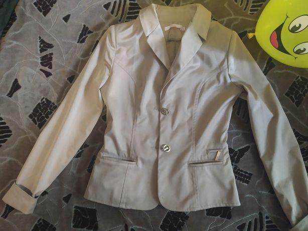 Продам пиджак 44 размер