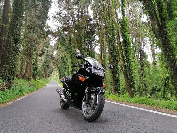 Kawasaki ZZR 1100 em excelente estado