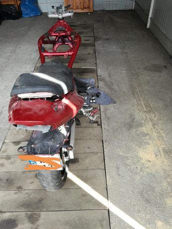 Suzuki gsf bandit 600  2001 ,set,wachacz,kolo, kanapa pozostalosci