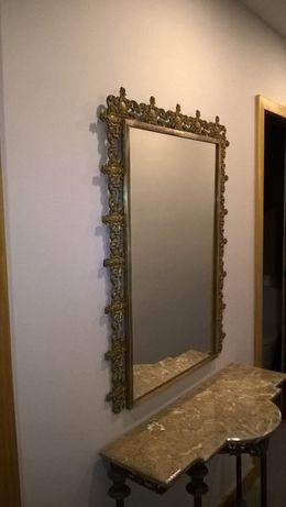 Credencia com espelho em metal