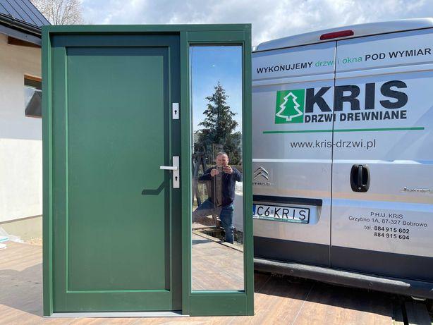 Drzwi zewnętrzne z naświetlem bocznym zielone CAŁA POLSKA MONTAŻ