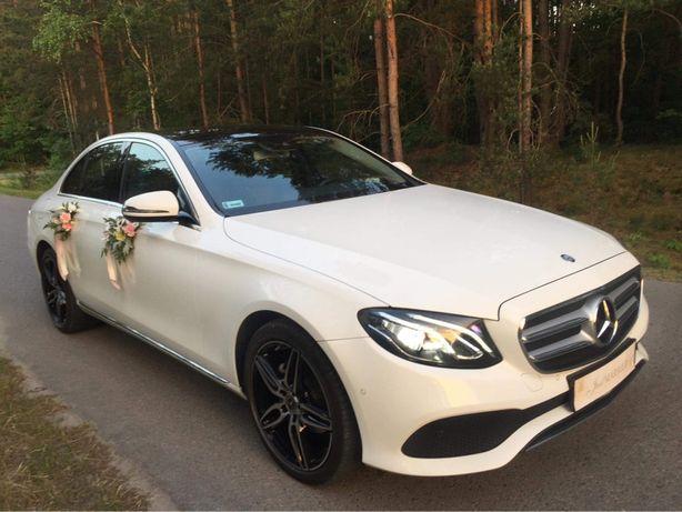 Auto do ślubu wynajem Mercedes biały