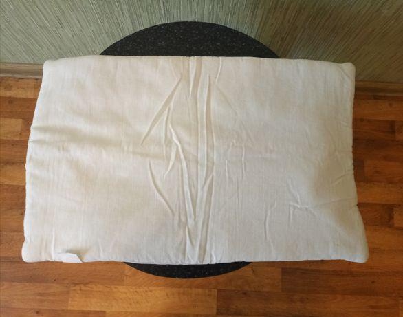 Продам подушку детскую в манеж или коляску в отличном состоянии