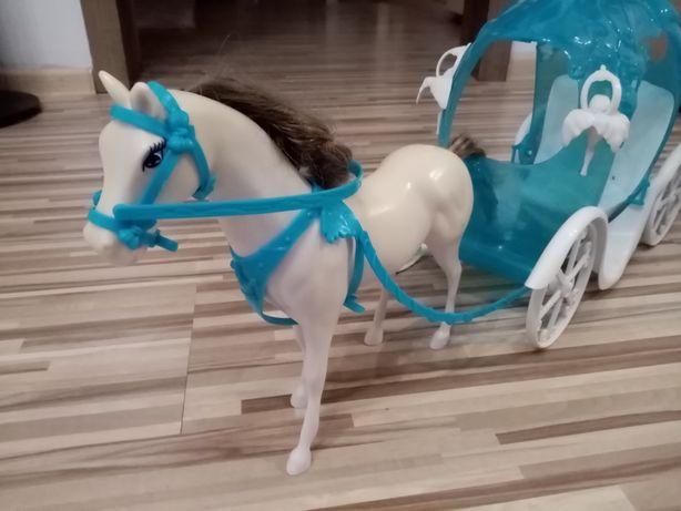 Koń z karocą do lalki Barbie