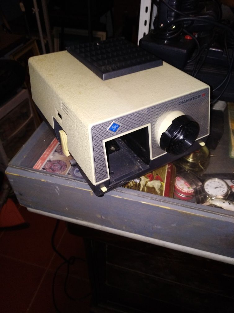 Máquina de diapositivos antiga