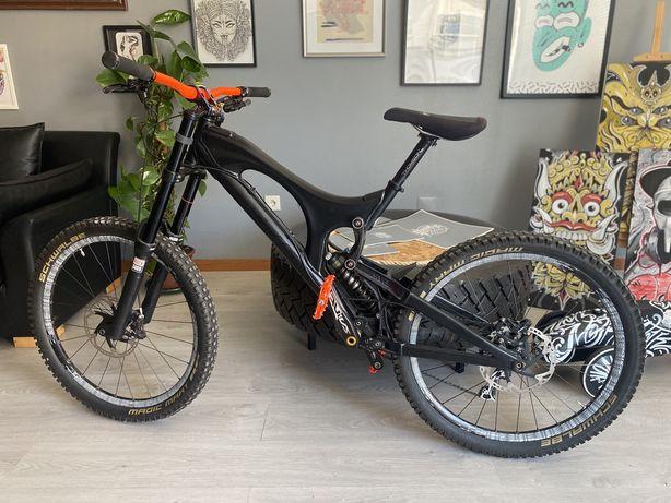 Bicicleta santa cruz v10 Downhill