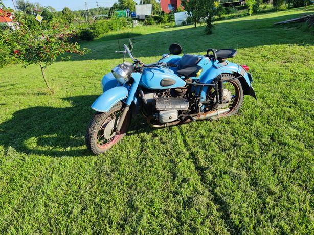Motocykl Dniepr k650