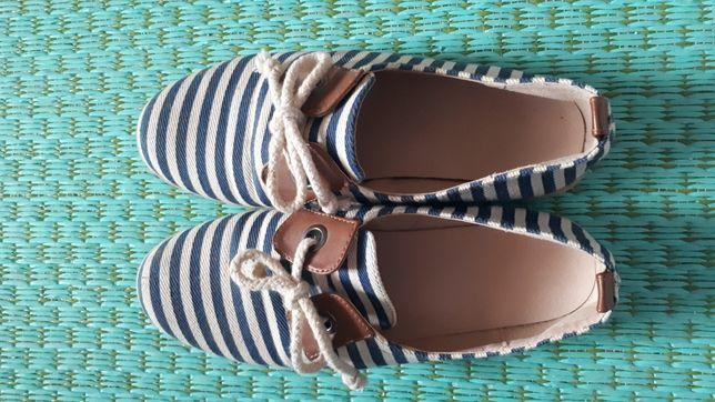 Sapatos às Riscas Azuis Estilo Paez/Vela
