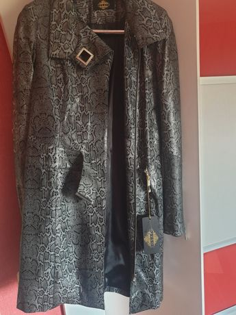 Женская курточка,пальто