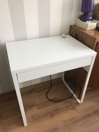 Ikea Micke biale biurko toaletka