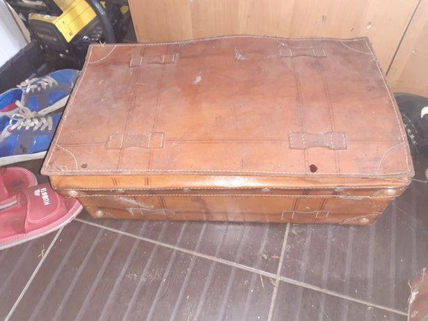 Stare walizki z prlu