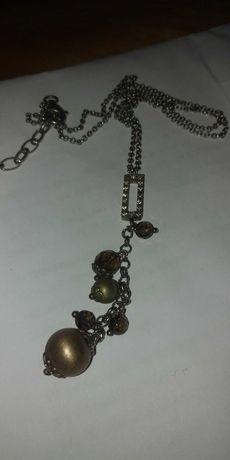Srebrny łańcuszek z ozdobami