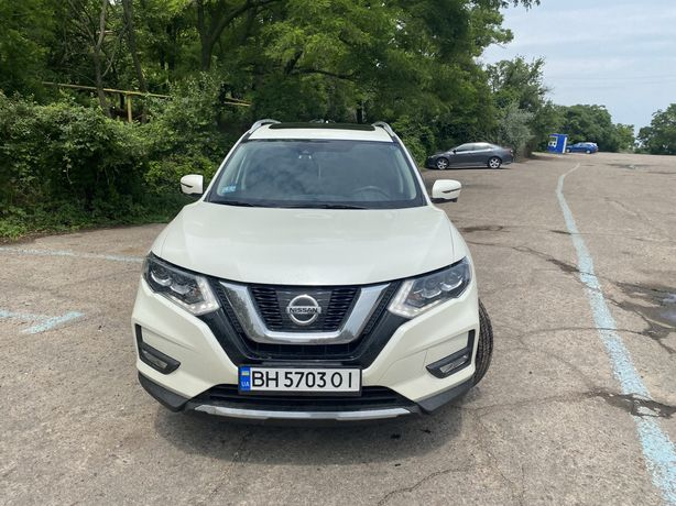 Продаю Nissan Rogue (X-Trail) SL AWD 2017г.в.,