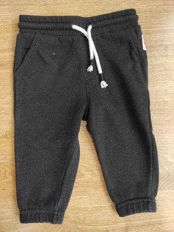 Spodnie dresowe czarne 80 Reserved