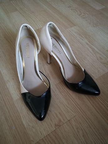 Szpilki eleganckie kremowo-czarne 38