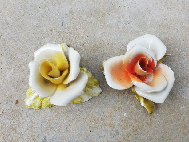 Flores em cerâmica / loiça