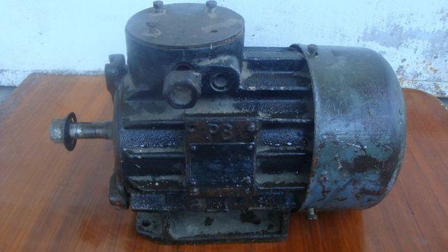 Електродвигун (РВ-виконання) ВАОЛ-4У, 3,2 кВт, 1415 об/хв, 380/660 В.