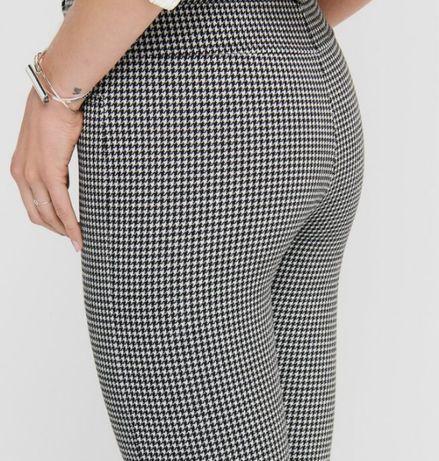 Стильные женские леггинсы брюки Zara в черно белую клетку 34 xs