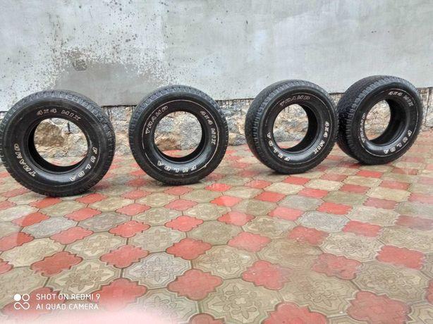 Продам 4 шины на УАЗ в ИДЕАЛЬНОМ состоянии 265/70R15 FuldaTramp 4x4MIX