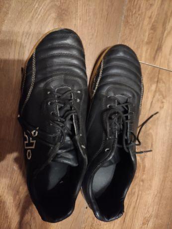 Buty sportowe halówki 38