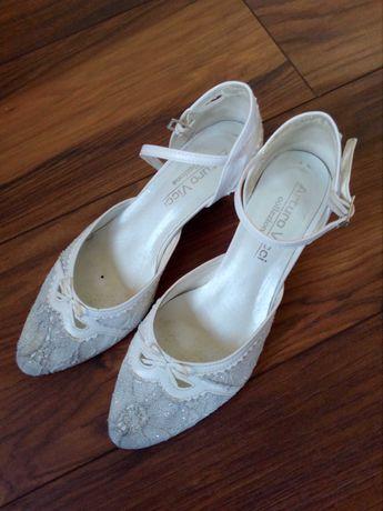 Buty do ślubu r. 37