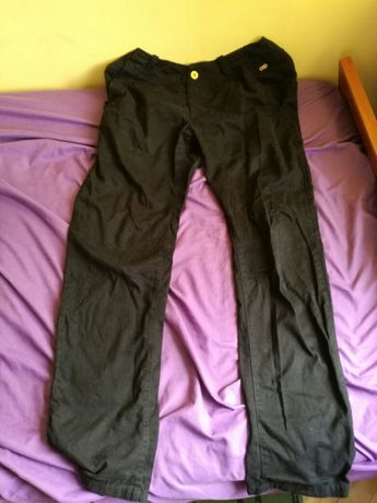 Czarne spodnie Cropp 34 rozmiar L