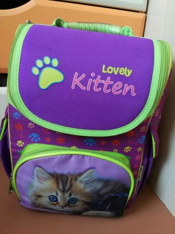 Правильный ранец для Вашей любительницы котят