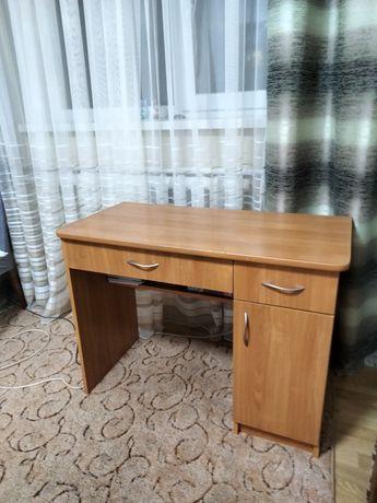 Письмовий стіл 2шт.