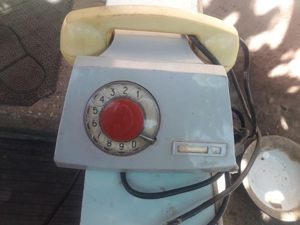Дисковый советский телефон
