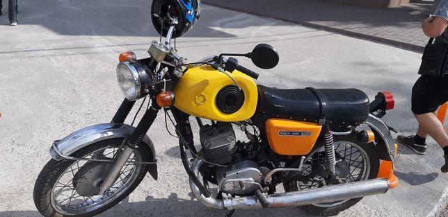 Мотоцикл Иж Планета  Спорт 1980 г.. на полном Боевом  Ходу.