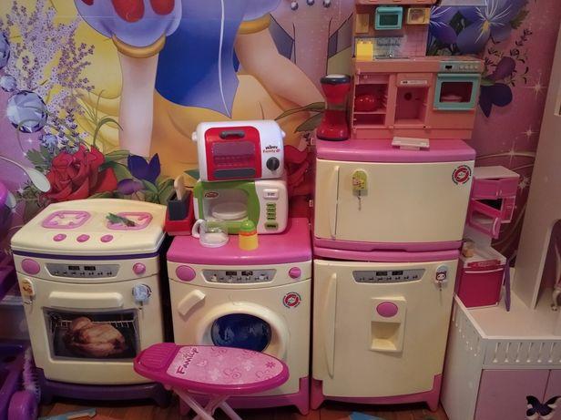 Продам іграшки для дівчаток