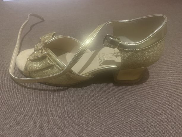 Туфли для танцев, танцевальные туфли