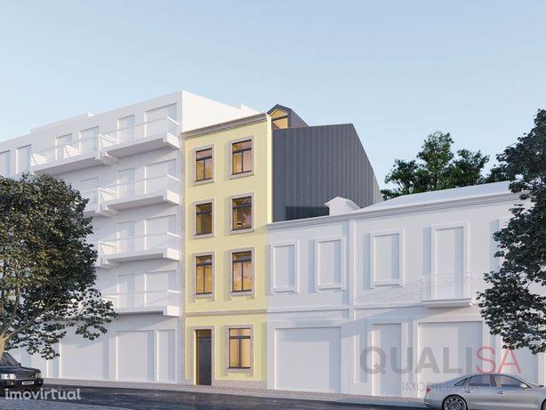Apartamento T2 duplex novo com terraço no centro históric...