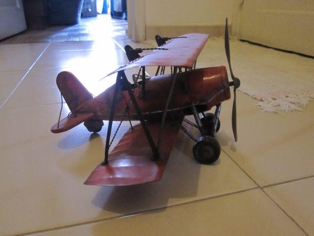 Novo preço Avião antigo troca.