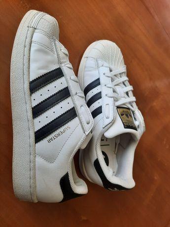 Оригінальні кросівки adidas superstar