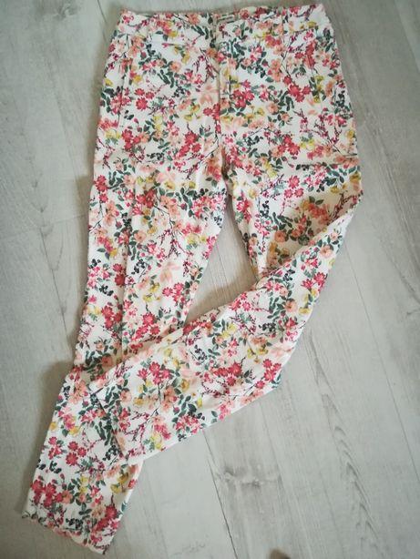 Bawełniane spodnie w kwiatki
