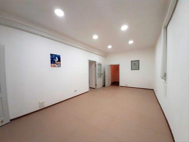 Без комиссии. Чешская 9, помещение под офис 136м2, подвал с ремонтом.