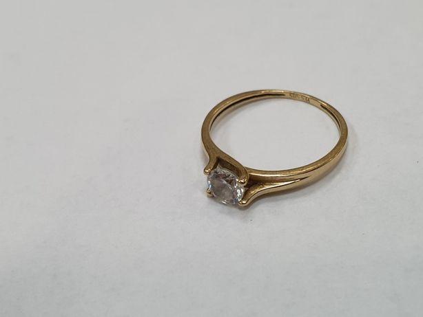 YES! Piękny złoty pierścionek/ 585/ 1.38 gram/ R12/ Cyrkonia/ Gdynia