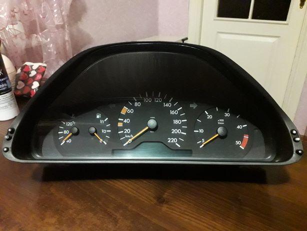 Приборная панель,щиток приборов Mercedes-Benz E class w210