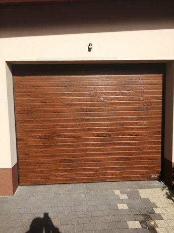 Brama garażowa segmentowa ocieplana 2950x2260 orzech z napędem NOWA