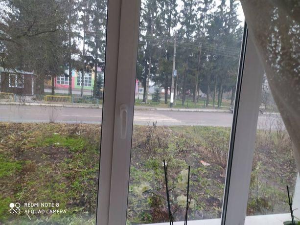 Квартира 3-х кімнатна в смт Романів