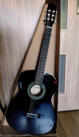 Gitara klasyczna 4/4 nieużywana