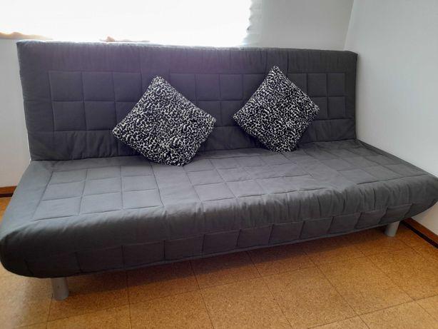 Sofá / cama de casal  ikea  novo com coberta